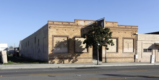 1055 E. 4th Street Santa Ana, CA 92701