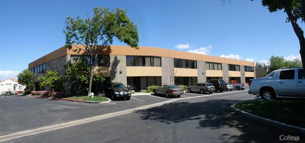 1012 Brioso Dr Costa Mesa, CA 92627